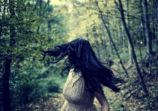夢占い/夢診断】逃げる夢を見る意味や心理!逃げ切る夢は吉夢なの ...