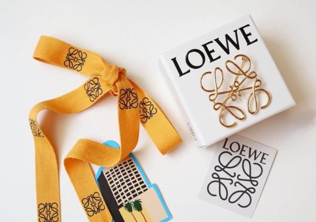 黄色いリボン LOEWE 画像
