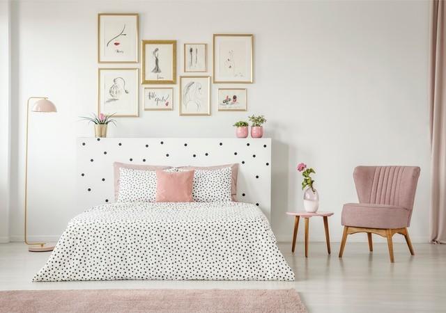 女性の部屋 ピンク 白 画像