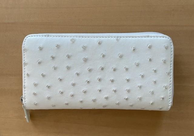 白い財布 画像