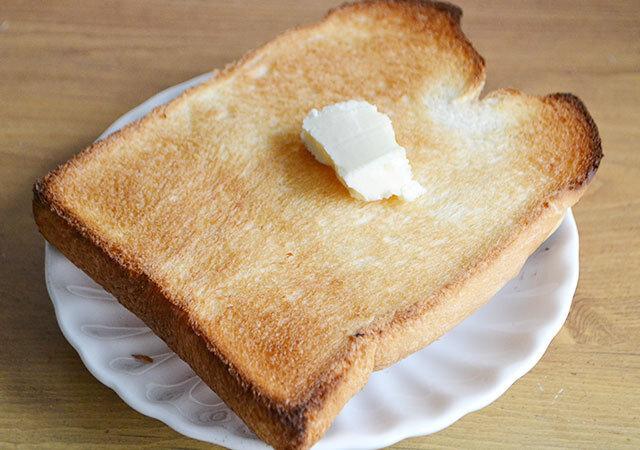 ダイソー 100均 お得アイテム オーブントースター用スチーム皿 食パン 焼き上がり